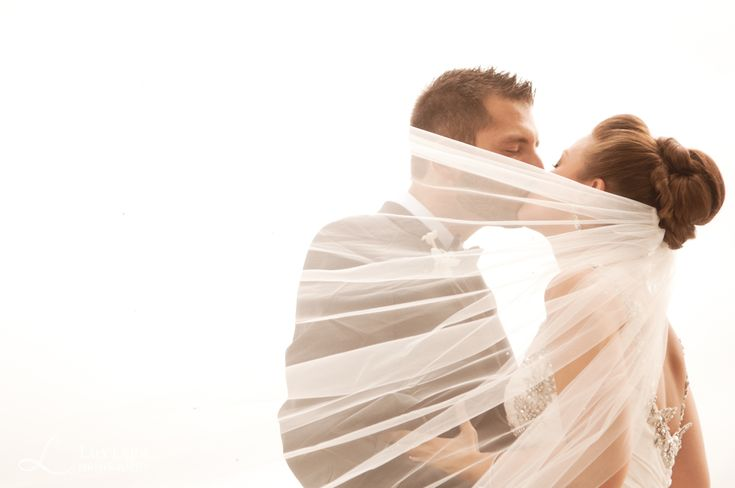 beautiful poses for bride and groom, veil wedding photos, vintage wedding photography, traverse city wedding photography