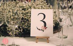 Numero de mesa para boda. Para bodas románticas con un toque rústico. un clip –…