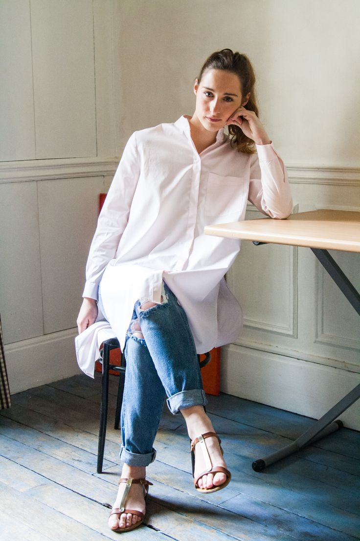 The Mao Blouse, created by Modestologie using a fine poplin cotton.  Manufactured in Paris  #minimal designs, high quality fabrics, #transparency  Available at www.modestologie.com #pink #shirt #oversize  #fashion #design #womenfashion #conscious #ethical #madeinfrance