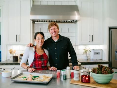 685 best images about fixer upper on pinterest before for Chip and joanna gaines bed and breakfast