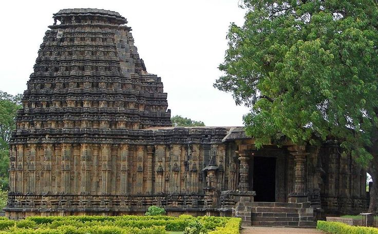 Dodda Basappa Temple,Dodda basappa temple chalukya architecture at dambal Gadag Karnataka