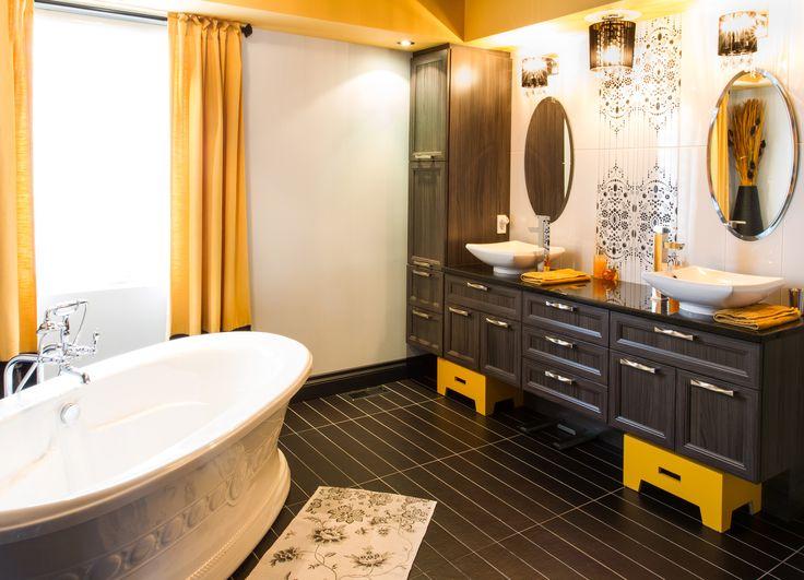 Voici des concepts uniques comme vous!! Salle de bain chic, glamour aux accents jaunes