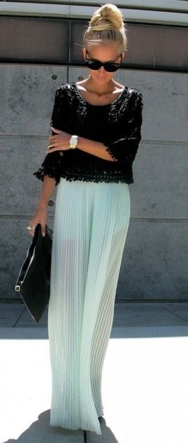 pleated mint + black
