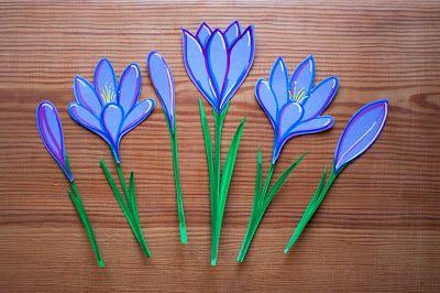 Wiosenne dekoracje - Spring decoration - crocus, papercut, krokus, cardboard, paper, school, paperflower