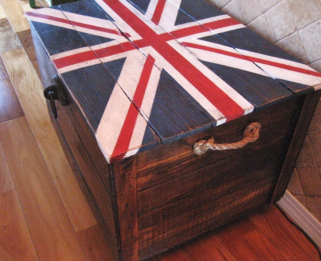 Love: Pallets Chest, Crates Storage, American Flags, Pallets Trunks, Pallets Wood, Boys Bedrooms, Wooden Trunks, Wood Chest, Union Jack