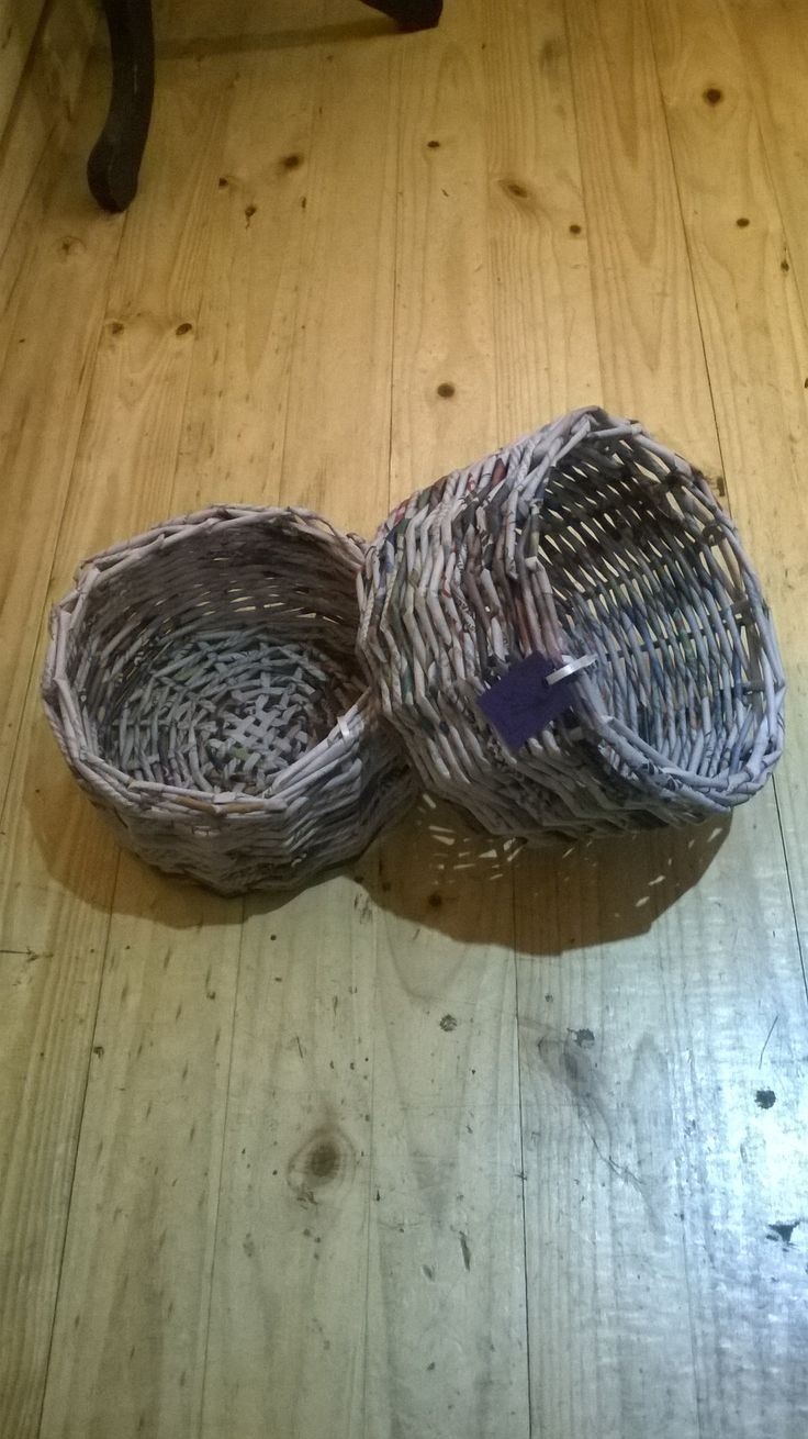Canastos de papel tejido/ Woven paper basket -- www.yavalladiseno.cl -- instagtam @yavalladiseno