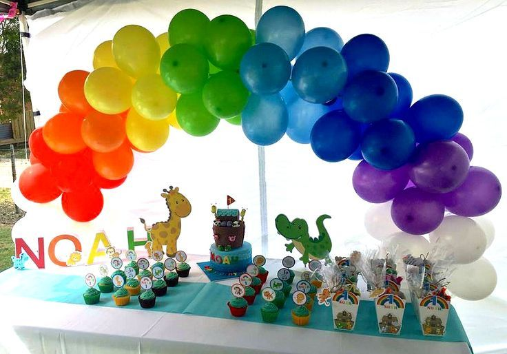NOAH ARK baby shower TABLE DEOCRATIONS