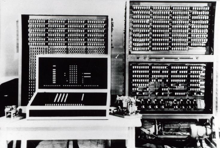 Zuse Z3 Computer in 1941 the original was sadly destroyed in a bomb raid in Berlin 1943