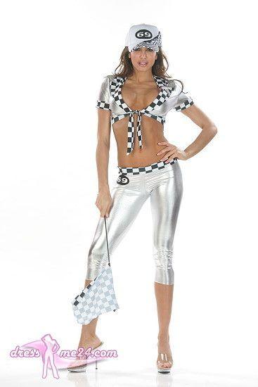 Besuche uns gern auch auf dressme24.com ;-) Sexy Boxenluder Outfit Anna - Heißes glänzendes Stretch Lame Outfit für sexy Boxenluder. Knackige 3/4 Hose und knappes Top zum Binden im Dekolleté. Das Basecap ist nicht im Lieferumfang. Enthalten und unter Accessoires bestellbar. Made in USA. #Kostueme, #Racinggirl, #Boxenluder