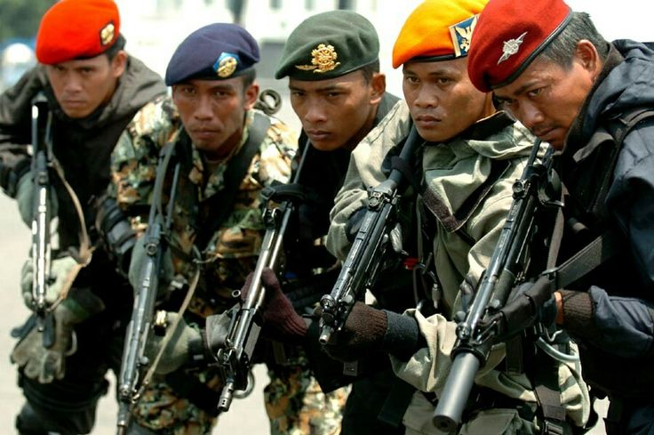 Indonesian Special Operators. Left to right: (Army, Marines, Army Reserve, Air Force, Navy)