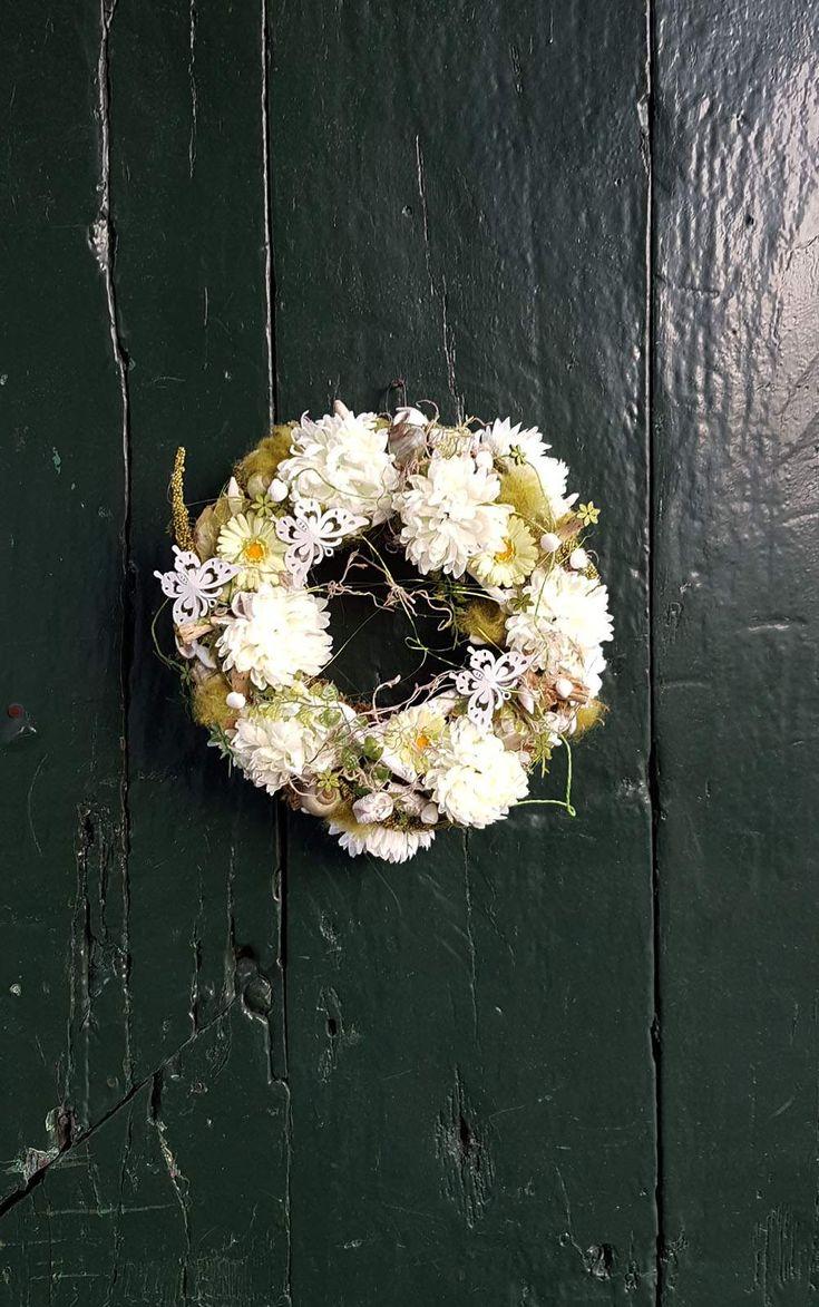 Türkränze -  ♥ Kranz ♥ künstliche Blumen♥ Frühling♥ - ein Designerstück von blumen-atelier bei DaWanda