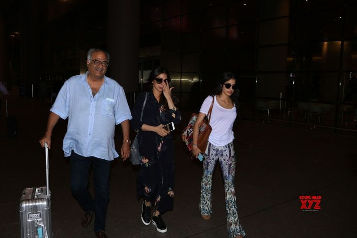 Mumbai: Sridevi, Boney Kapoor and Janhvi Kapoor seen at airport - Social News XYZ