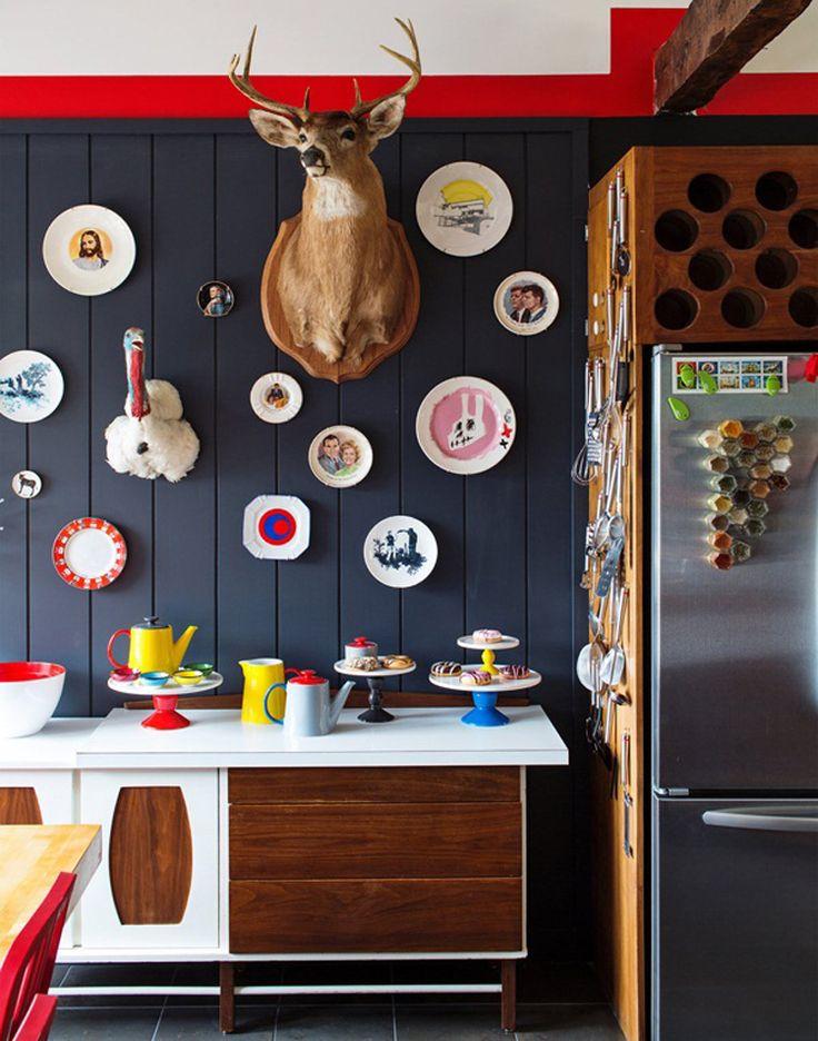 цветен интериор tallbox (4)Wall Decor, Animal Head, Design Interiors, Deer Head, Kitchens Nooks, Kitsch Kitchens, Kitchens Cabinets, Dark Wall, Deerhead