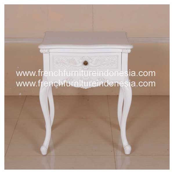Buy quality French Louis XV Nighstand 1 Drawer Bedside from Antique Reproduction Furniture. We are reproduction furniture 100 % export furniture manufacturer specialist french furniture design with antique finish. #MahoganyFurniture #IndonesiaFurniture #IndustrialFurniture #WholesaleFurniture #JeparaFurniture