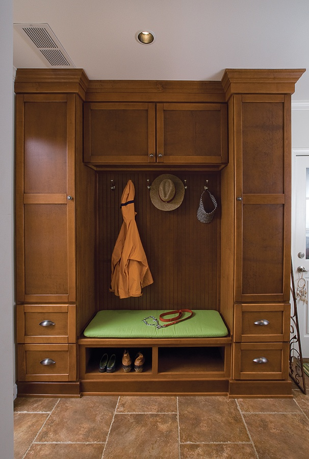 Mudroom Pantry Storage : Best images about mud room lockers on pinterest land