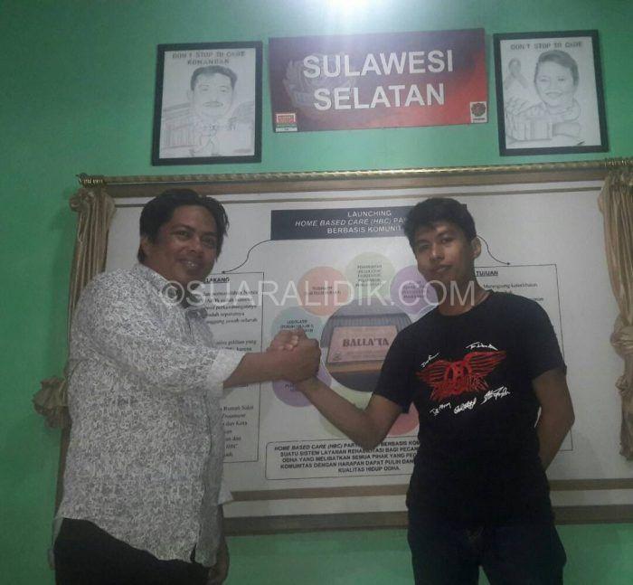 Lidik Makassar – Ketua Generasi Muda Nusantara Anti Narkotika (GENETIKA) Djaya Jumain hari ini melakukan silaturahmi ke sekretariat persaudaraan korban nafsa makassar(PKNM) yang di terima langsung oleh Ketua Persaudaraan Korban Napza Makassar (PKNM), Farid Satria di jalan anggrek...