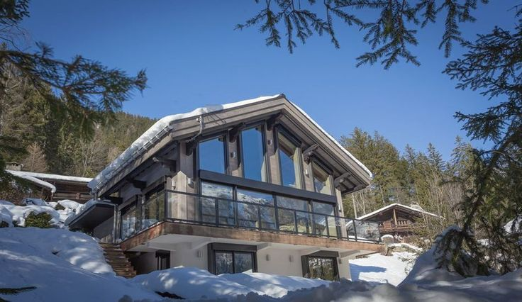 Magnifique chalet bois modernisé au pied du Mont Blanc en France, une-chalet-dag-par-Chevalier-Architectes #construiretendance