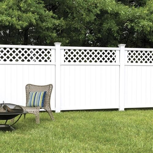 Freedom Pre Assembled Wellington 6 Ft H X 6 Ft W White Vinyl Lattice Top Fence Panel Lowes Com In 2020 Fence With Lattice Top Vinyl Fence Panels Lattice Fence Panels