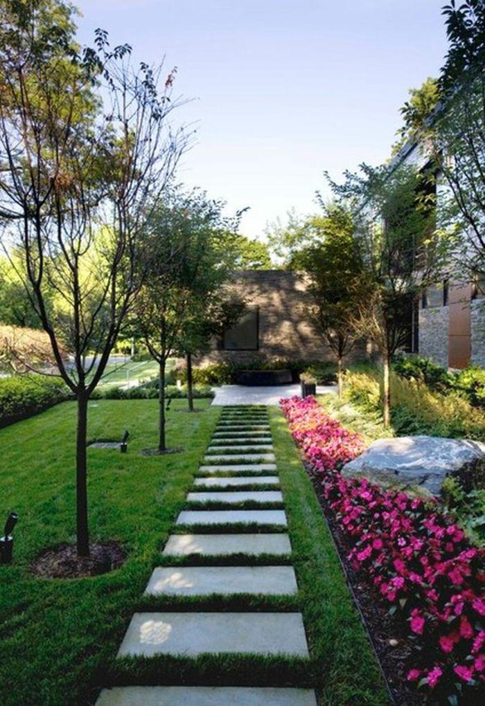 111 Gartenwege Gestalten Beispiele 7 Tolle Materialien Fur Den Boden Im Garten Gartenweg Moderne Landschaftsgestaltung Vorgarten Anlegen