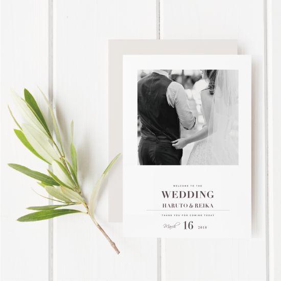 プロフィールブックは結婚式で使用される冊子タイプの席次表。プロフィールブックまでおしゃれにこだわるならEYMがおすすめ!