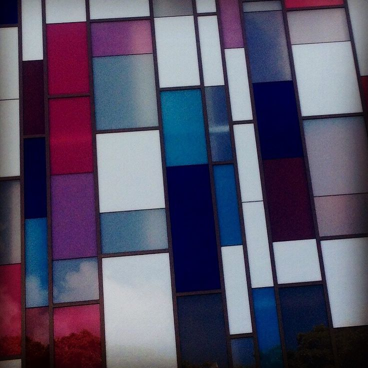 Glass wall, Hastings St, Noosa