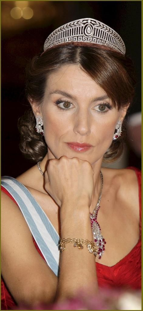 Princess Letizia wearing the Prussian Tiara originally given to Victoria, the Duchess of Brunswick for her wedding in 1913.