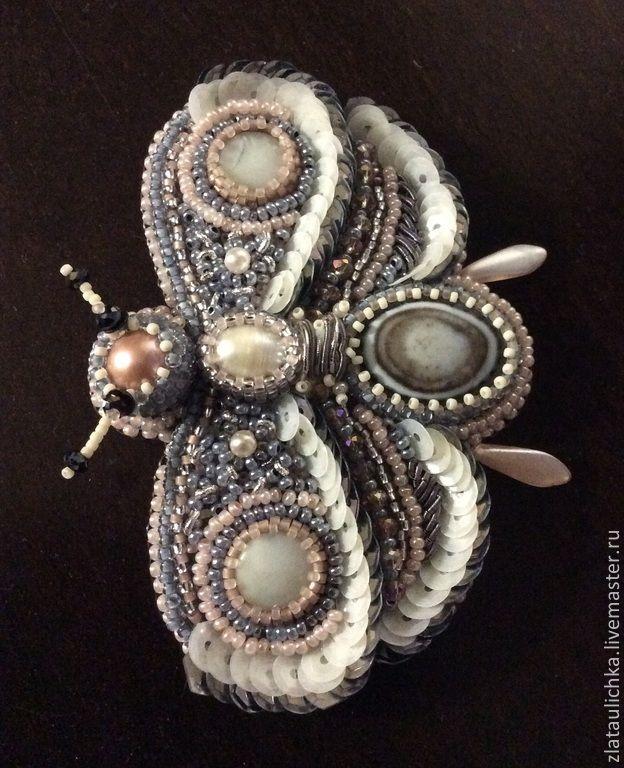 Брошь мотылек из камней и бисера. Handmade.