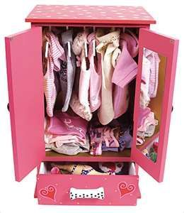 Pink closet for dog clothes #pinkdogcloset  I'm sure Flofy would love to have this closet :)