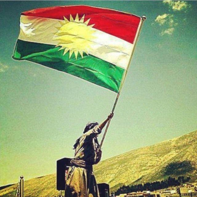 ئةوةى تؤى خؤش ئةوئ كوردستان!!!! تةسليمبون و خؤبةدةستةوةدان نةريتى ئةو نى ية!!! مالى دةوئ!!!(مال ئامادةية) پياوى دةوئ!!! (هةمووى هةلدةستئ) گةر گةورةش نةبئ!!!! بچووك نابيتةوة!!! خؤشماندةويت ئةى كوردستان.......