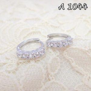 Jual Anting Xuping Perhiasan Line Permata A 1044 - Siti Xuping Grosir | Tokopedia Fast Respon Pin BB : DB26F989 No Hp : 081223398889