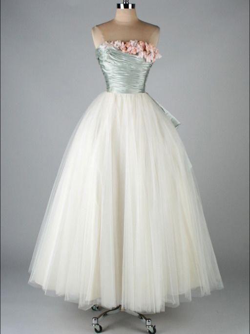 Vintage Prom Dresses A-line Floor-length Tulle Prom Dress/Evening Dress JKL118