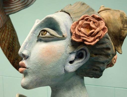 mascaron de proa, Rosamar Corcuera, ceramica modelada y pintada, casa Rimac