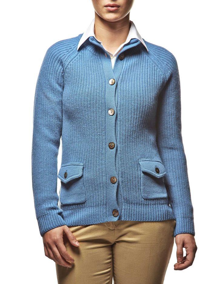 #Cardigan pesante con bottoni e tasche in #lana #merino, perfetto per i periodi di freddo più rigido e per la #montagna #ai2014