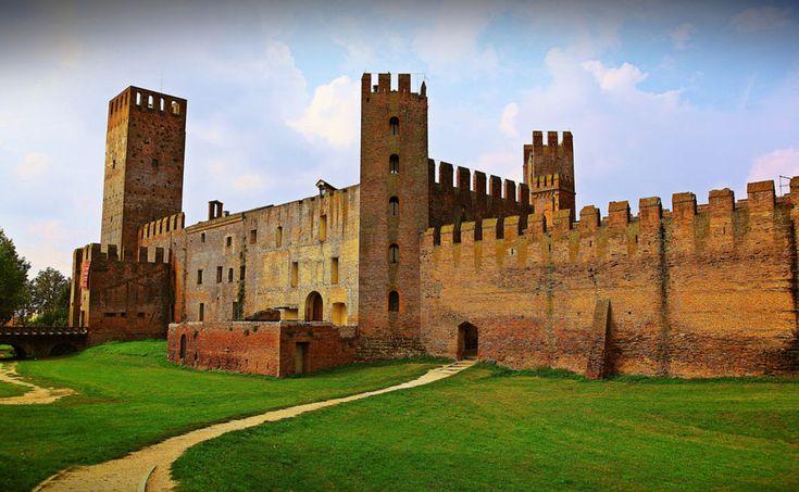 Cè un borgo, in Veneto, che ricorda i vecchi borghi medievali colmi di storia e passione. Questo borgo si chiama Montagnana.