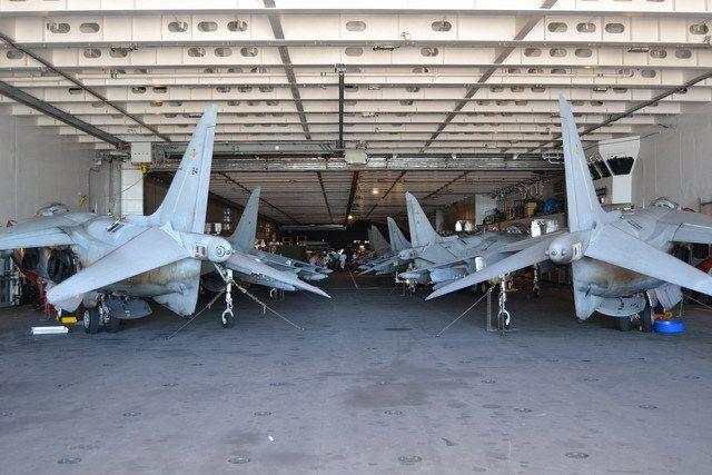 lhd_hangar_1_zpsa9ac7b77.jpg~original (640×427)