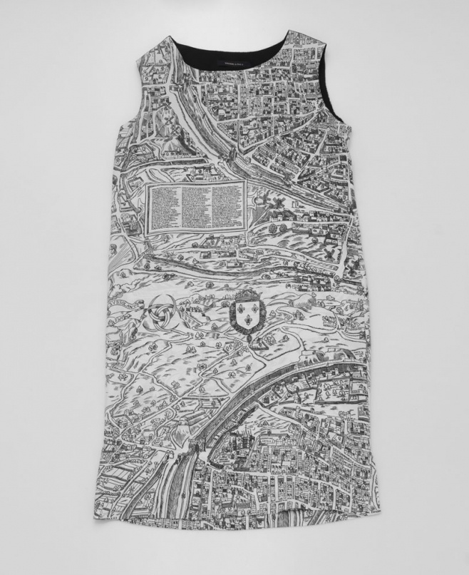 Dress map of Paris $388,01 by Madame à Paris on Subtill.com