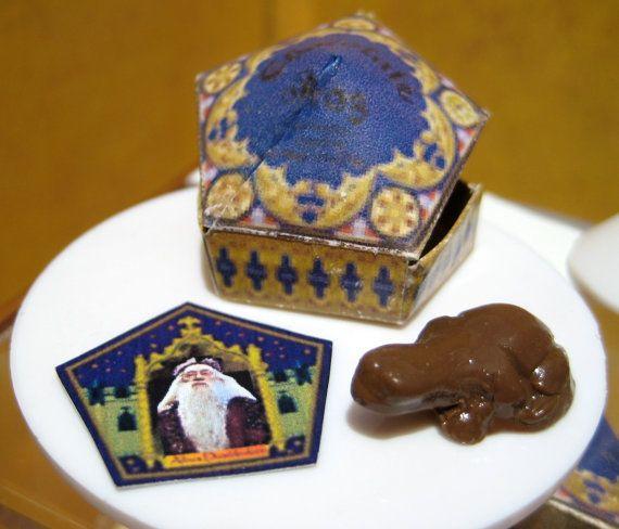 Harry Potter miniature. Love.
