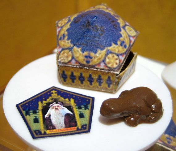 Chocolate frogs.: Dolls Houses, Potter Miniatures, Miniatures Chocolates, Potter Chocolates, Harry Potter, Chocolates Frogsss, Frogs Dollhouses, Dollhouse Miniatures, Dollhouses Miniatures