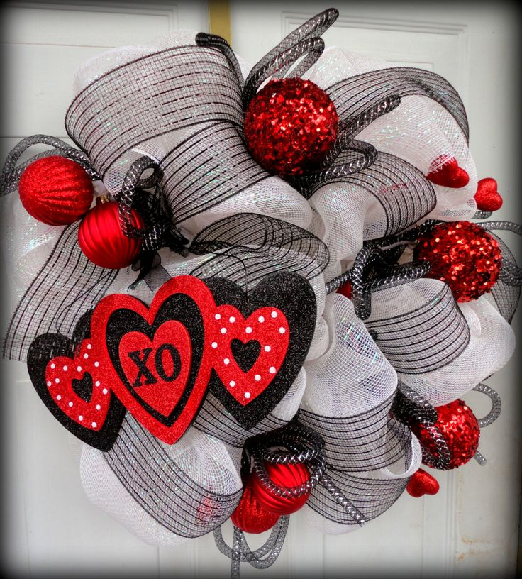 Valentines Deco Mesh Wreath