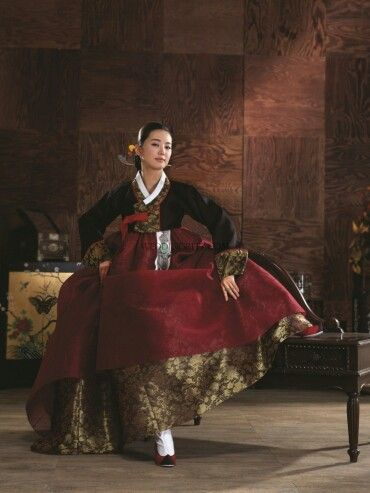 Hanbok from 'Som Si Myeong Ga' | weddingRitz.com