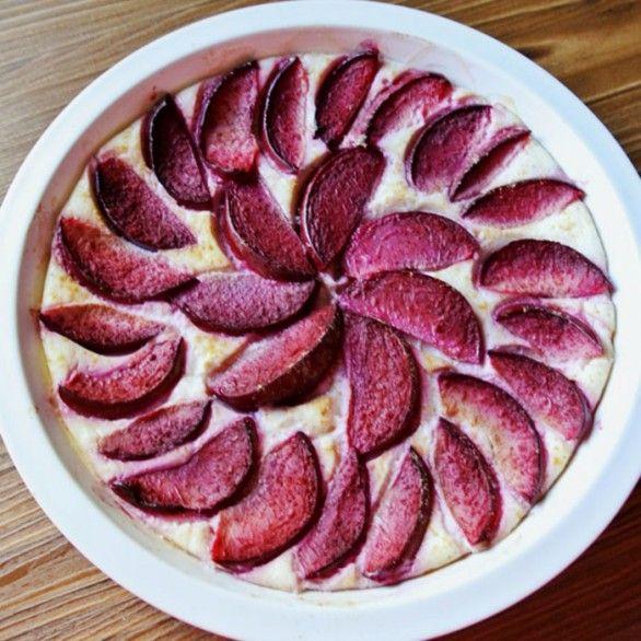 Имбирно-сливовый пирог с рикоттой