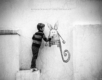 L'ami Imaginaire est une série mêlant poésie, dessin et photographie.