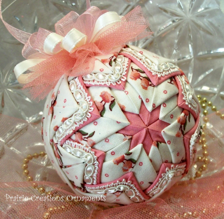 199 best Quilted Ornaments! images on Pinterest | Christmas ... : quilted xmas ornaments - Adamdwight.com