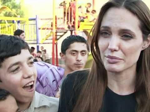 Angelina Jolie visits Syrian refugees in Turkey