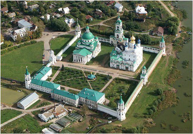 Спасо-Яковлевский Димитриев монастырь 2010 г - вид сверху