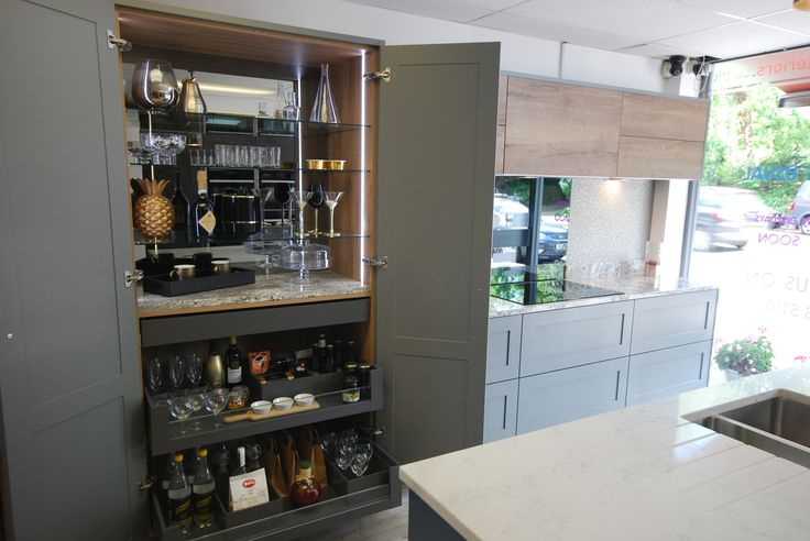 Best 25 wallpaper cabinets ideas on pinterest wallpaper for Kitchen ideas guildford