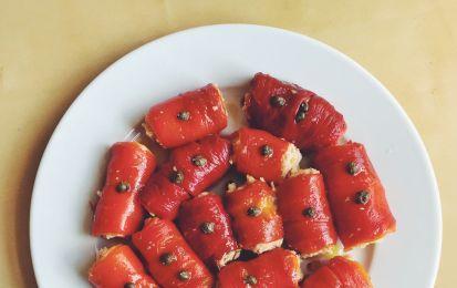 Involtini di peperoni - involtini di peperoni ripieni di una dadolata di melanzane saltate in padella