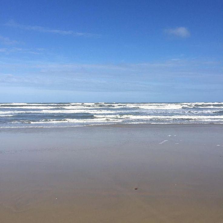 Por mais segundas-feiras assim! Gratidão sempre.  #VidaPlena #EscolhaSerFeliz #PriTescaro #FeriasDaPri #happiness  #blessed #vacation  #Beach  #Atlantida #NoFilter #ConsultoriaParaEmpreendedores #MentoriaParaEmpreendedores