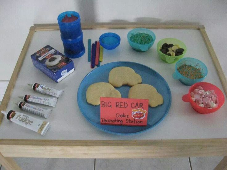 Wiggles party activity - big red car cookie decorating station