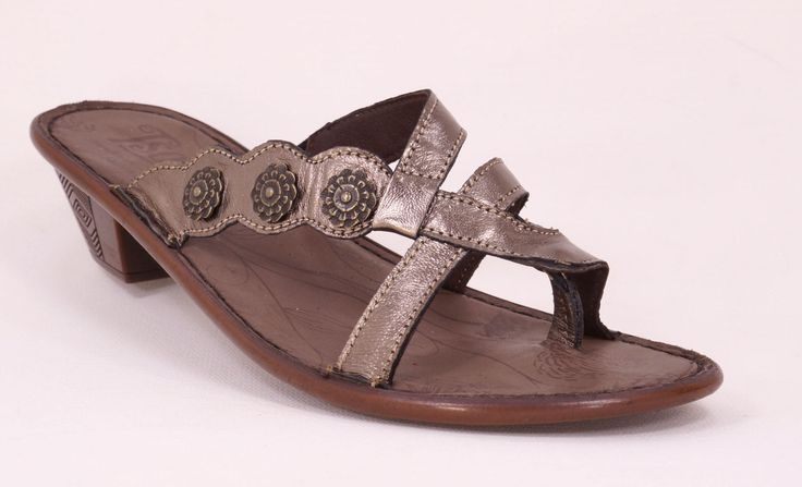 Tsonga Iyeka (Metallic - Lead) Handmade Genuine Leather Sandal. Handcrafted in Pietermaritzburg, South Africa . R 889. Code: TLN0019 015 See online shopping for sizes. Shop online https://www.thewhatnotshoes.co.za Free delivery within South Africa.